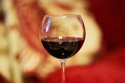 Dejar de beber alcohol es posible. El consumo abusivo de bebidas alcohólicas es dañino para la salud.